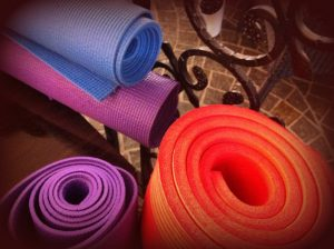 the best yoga mat for sweaty hands